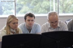Laura-Jane-Bowler-and-Chris-Williams-with-Sir-Peter-Maxwell-Davies-at-the-Dartington-International-Summer-School-2008-300x200